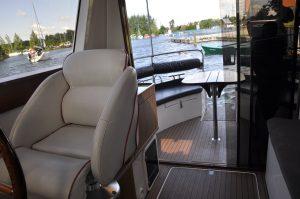 Motoyacht charter